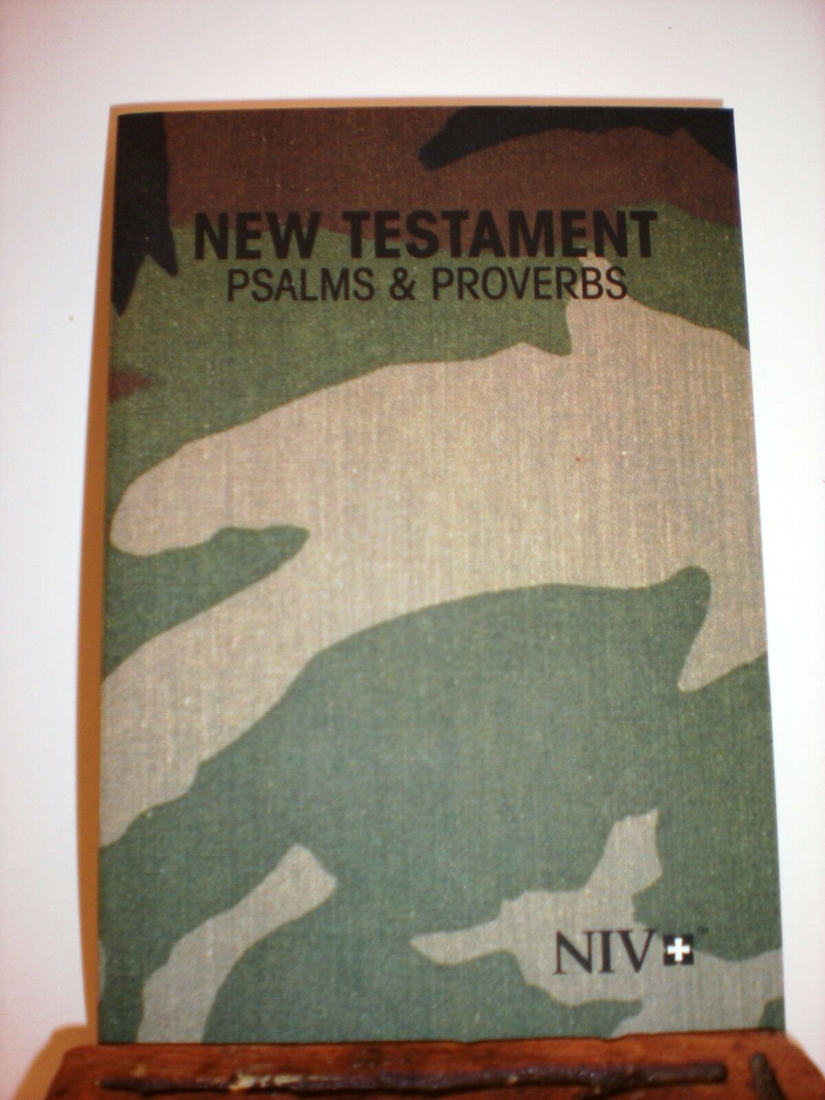 LOT OF 2 ~ CAMO COLORED POCKET NIV NEW TESTAMENT PSALMS & PROVERBS ~ BRAND NEW |