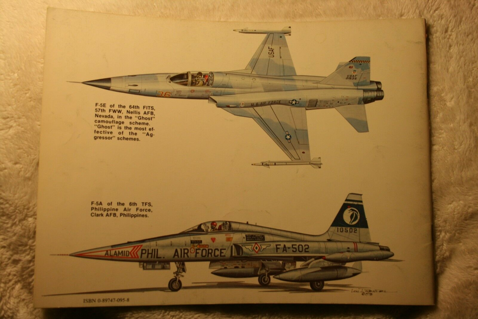 F-5 Freedom Fighter Squadron Signal Book 1038 Very Good Condition |