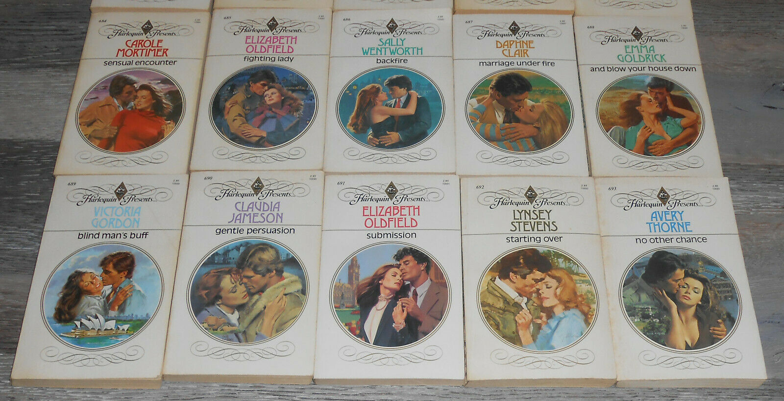 Lot of 26 Harlequin Presents Romance Paperbacks Lot C #658//694  1984 |