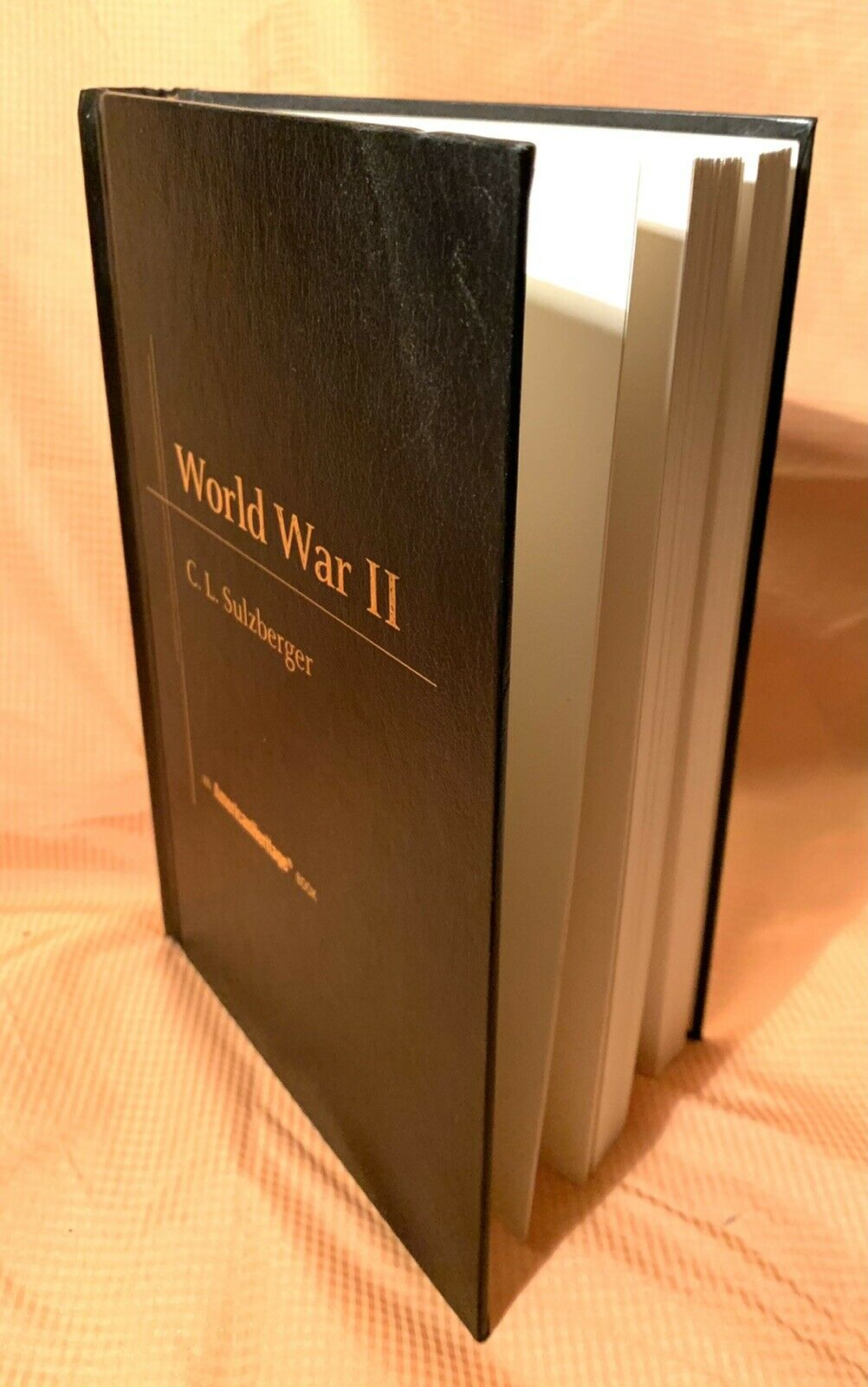 World War II  by C. L. Sulzberger 1997 with 372 pages and a Complete Clean Copy |