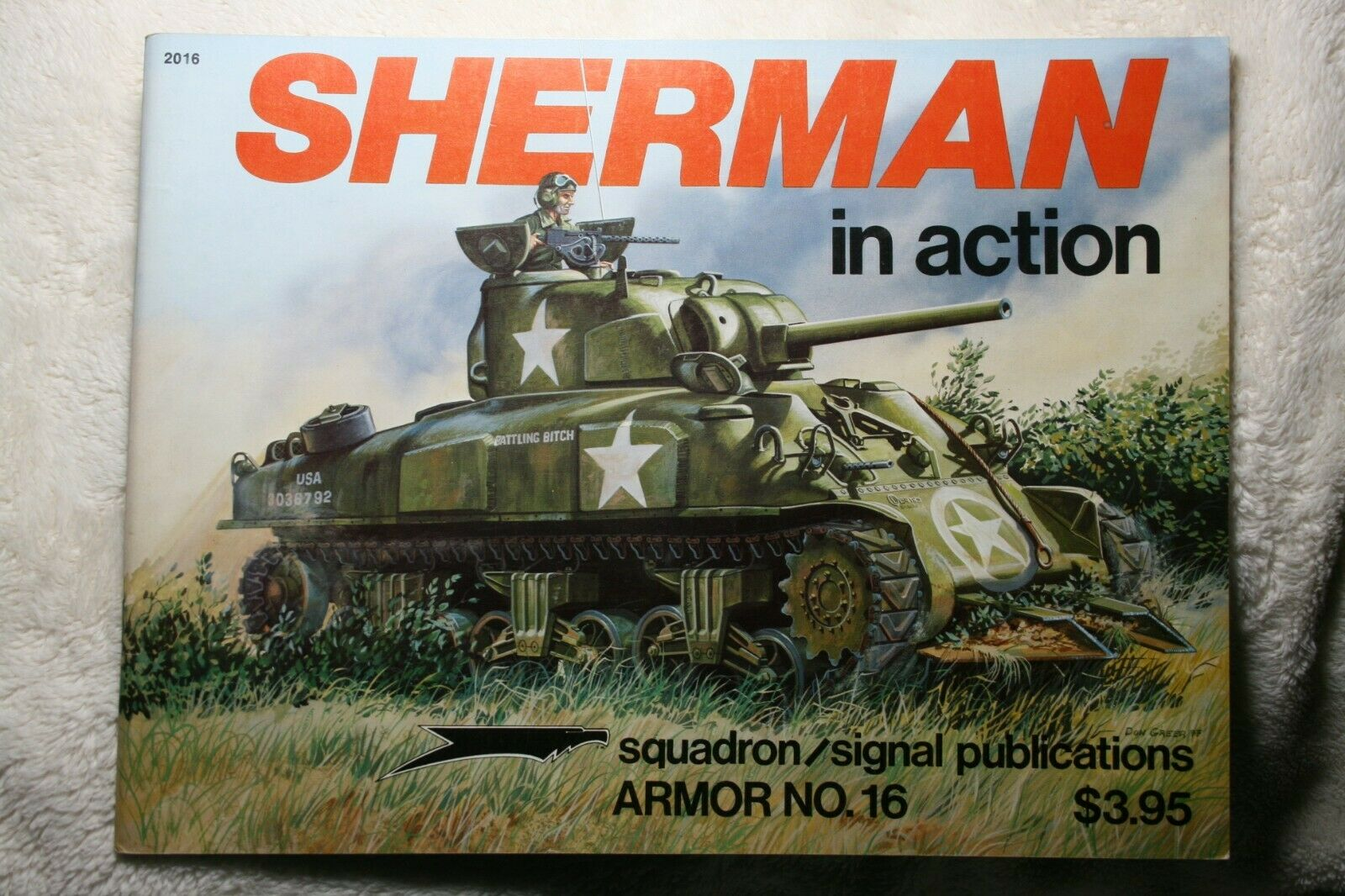 Sherman in Action Squadron Signal Armor Book # 2016 Very Good Condition |