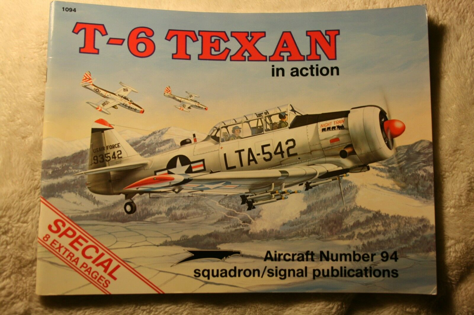 T-6 Texan SNJ in Action Squadron Signal Book # 1094 Good Condition |